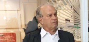O ex-ministro Renato Janine Ribeiro durante entrevista ao vivo