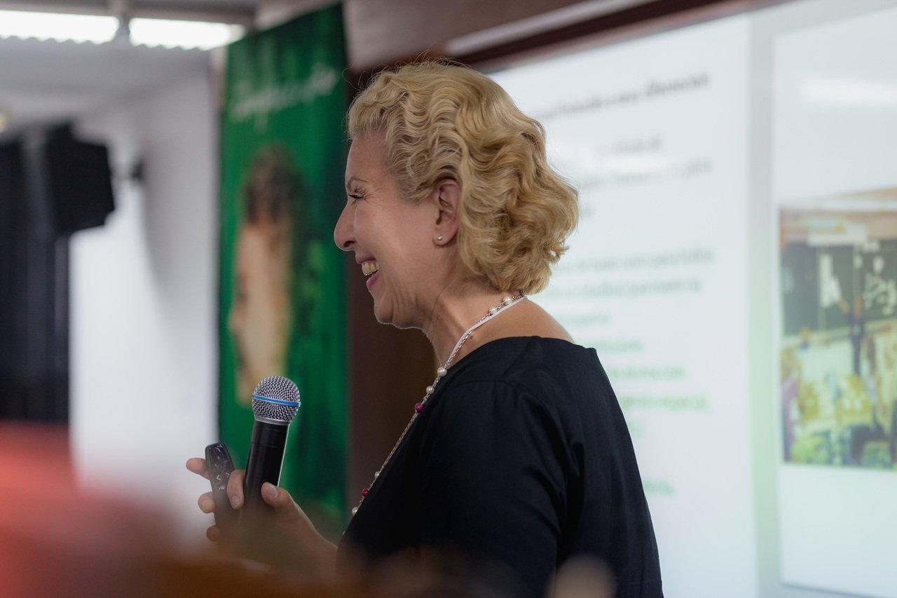 A educadora finlandesa Najat Ouakrim-Soivio durante evento da Mind Lab em São Paulo