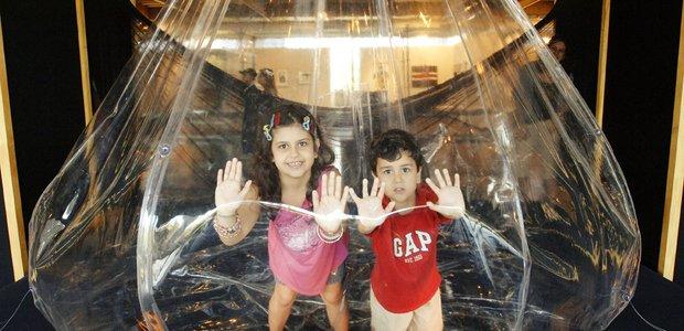 'A Casa É o Corpo', instalação de Lygia Clark. Foto: Selmy Yassuda