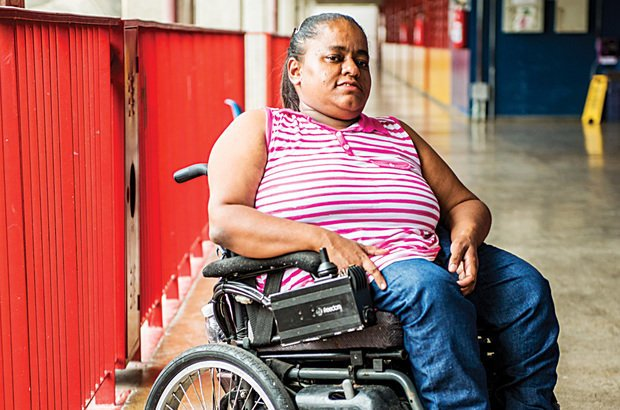 Eliane Correa é responsável pela sala de apoio de uma escola em São Paulo. Fabio Nascimento
