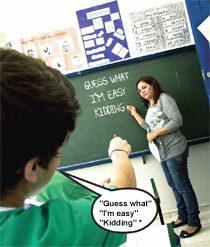 De volta à classe, todas as pesquisas foram socializadas. Com a ajuda da professora, uma lista de expressões da linguagem informal foi montada. Foto: Raoni Maddalena