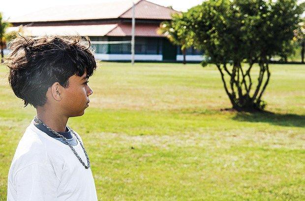 No Pantanal, numa área de difícil acesso, viver na escola foi a saída para Glawber. André Menezes