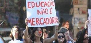 Protestos contra cortes na Educação acontecem em todo país