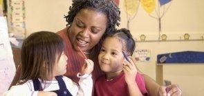 Como as escolas podem formar professores para combater o bullying