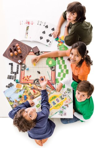 Os alunos conhecem diferentes jogos e aprendem os conteúdos. Foto: Daniela Toviansky