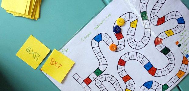 Jogo de Matemática. Trilha da tabuada, multiplicação. Foto: Leo Drumond