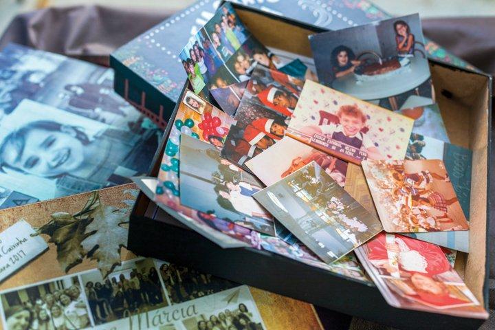 Fotos trazidas pelos próprios professores mostram sua relação com os tempos de escola.