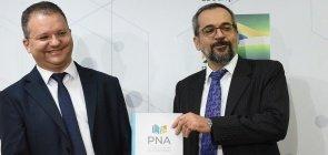 Com críticas aos métodos atuais, MEC lança cartilha sobre Política Nacional de Alfabetização
