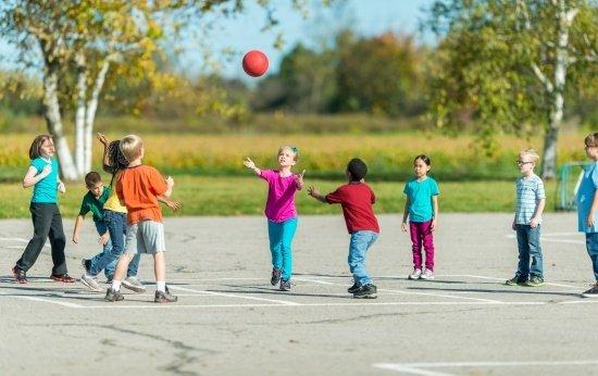 Mediação escolar auxilia inclusão de aluno com Síndrome de Down