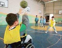 PARTICIPAÇÃO EFETIVA A inclusão de alunos com deficiência deve dar a todos a possibilidade de jogar e colaborar. Foto: Marcelo Min / Agradecimento Escola Projeto Vida