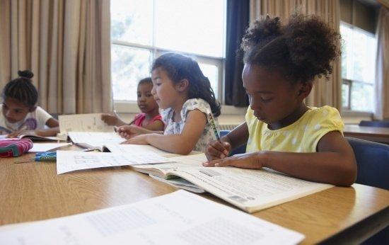 Por que é importante que os alunos conheçam sua própria identidade étnica