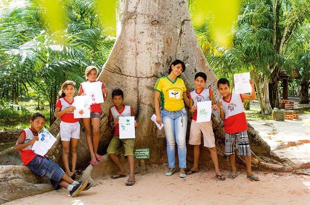 A garotada observou a paisagem preservada, tomou notas e fez desenhos de observação. Rafael Araújo