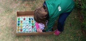 Na prática: bolas e tubos para explorar Espaços, Tempos, Quantidades, Relações e Transformações