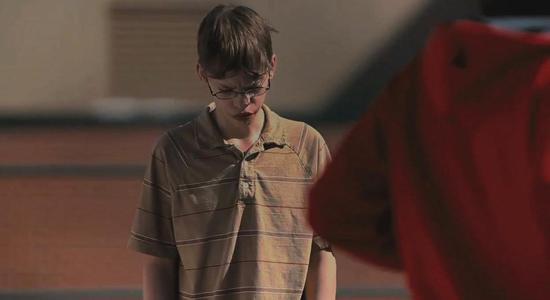 """Cena do documentário """"Bully"""" (2012), do diretor Lee Hirsch. O documentário acompanha o cotidiano de jovens vítimas de bullying em escolas públicas nos Estados Unidos"""