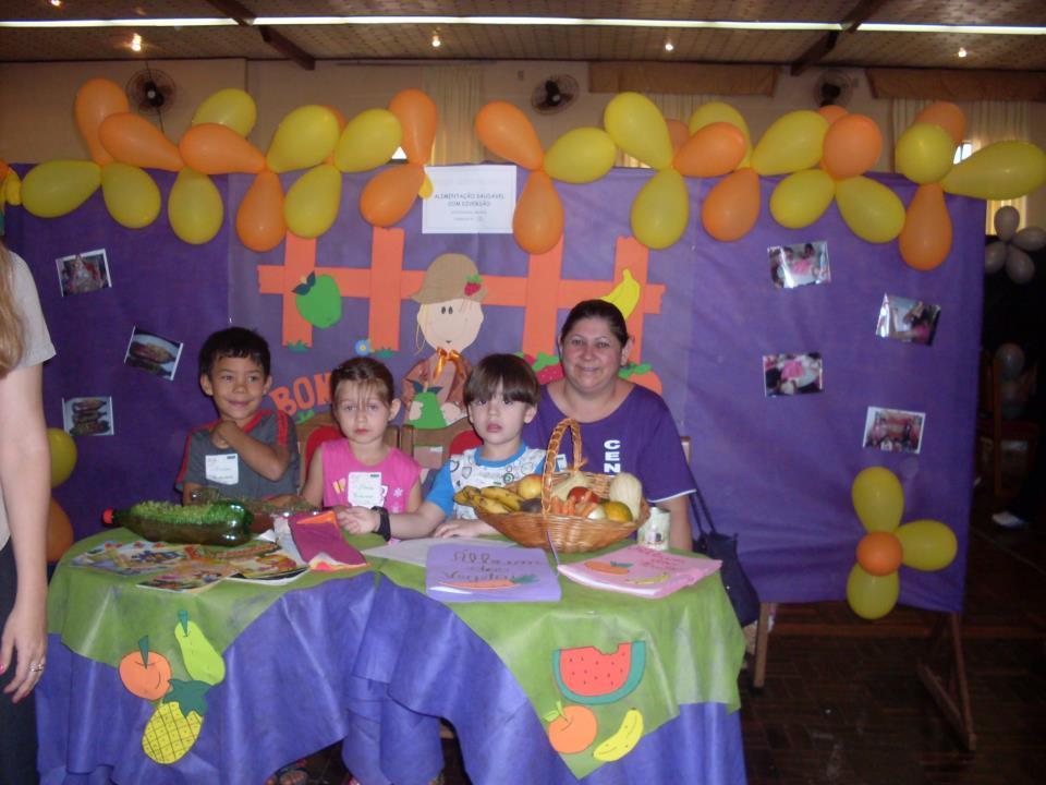 Lenise Aquino Litter e seus alunos da cidade de São Luiz Gonzaga