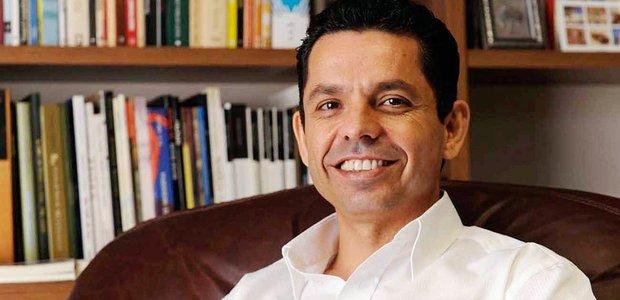 Miguel Sanches Neto, escritor
