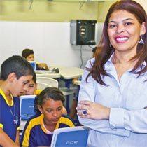 A tática de Adriana envolveu toda a comunidade e trouxe os estudantes de volta à escola. Foto: Tharson Lopes