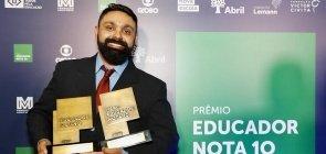 José Marcos Couto Júnior venceu o prêmio Educador do Ano, que faz parte do Prêmio Educador Nota 10