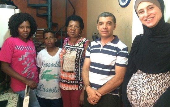 Visito as famílias para estreitar os laços da minha escola com a comunidade