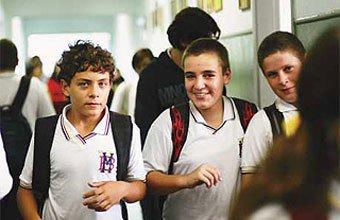 Alunos da escola Mário Borelli: atenção dos professores se reflete no entusiasmo pelo aprendizado Foto: Tatiana Cardeal