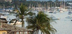 Ilhabela, no litoral paulista, abre 141 vagas e salários de R$ 3,3 mil