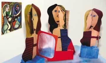 Mulher no Espelho, de Picasso (acima): a tela inspiradora e a releitura feita por alunos de 4ª série da Escola Verde Que Te Quero Verde, em São Vicente (SP). Foto: Valéria Pimentel