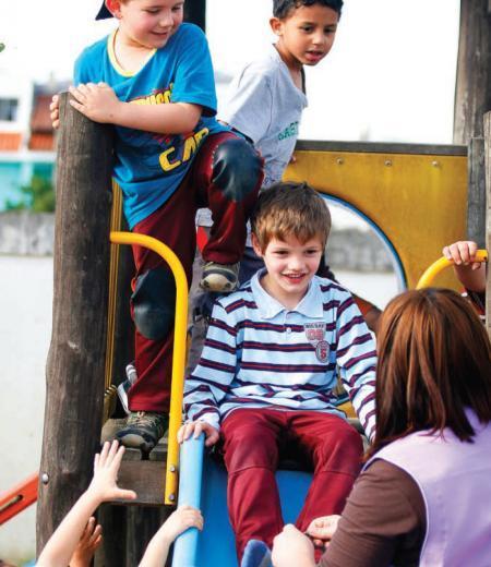 Condições asseguradas: garantir espaço e equipamentos adequados favorece a interação das crianças e amplia o conhecimento da realidade. Foto: Marcelo Almeida