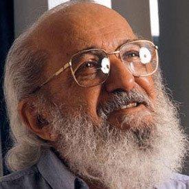 Paulo Freire Nós Podemos Reinventar O Mundo