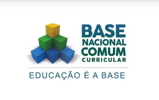 Como o diretor pode dar início aos trabalhos da Base Nacional em sua escola?
