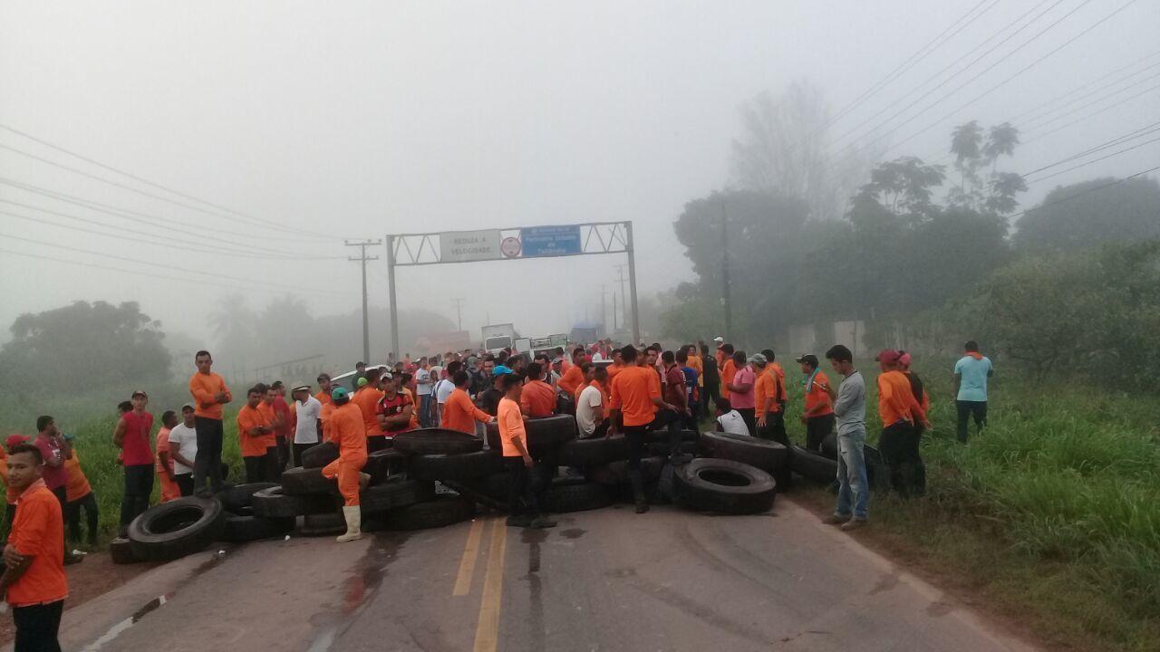 Manifestantes bloqueiam a rodovia PA 150