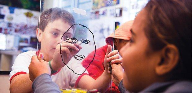 Desenho como forma de expressão pessoal. Foto: Fernanda Salla e Manuela Novais