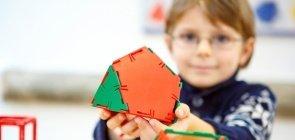Metodologias ativas em Matemática ; formas geométricas