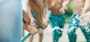 Lista de cuidados para aproveitar com segurança as atividades com água