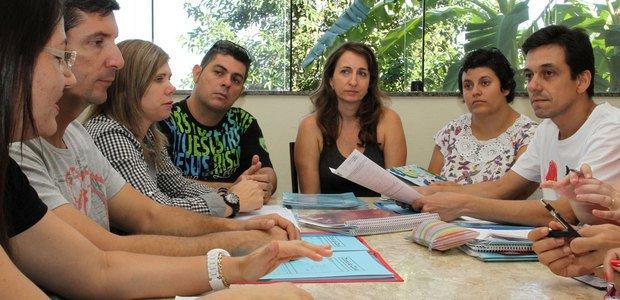 O conselho de classe se reúne a cada dois meses e busca solucionar as dificuldades dos alunos. Foto: Selva Bizarria