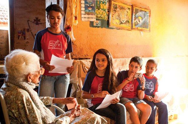 A garotada entrevistou antigos moradores da região, como Jacyra da Silva Coelho, 100 anos. Raoni Maddalena