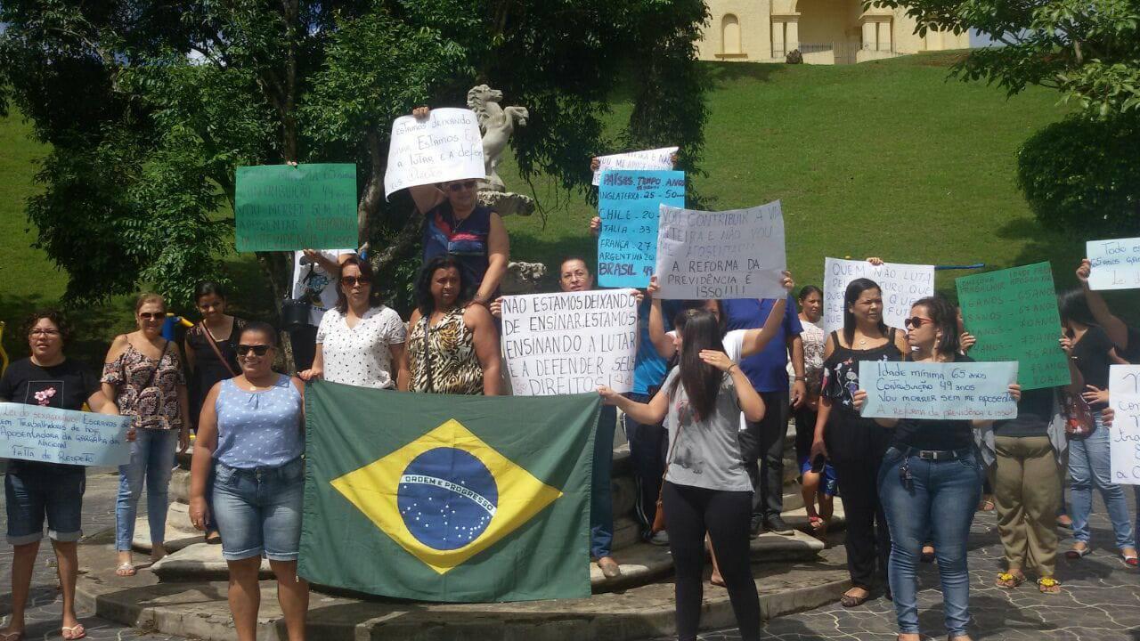 Protesto em Pedro de Toledo, em São Paulo