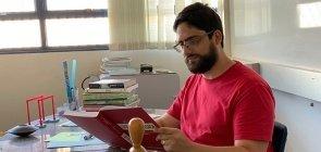 André Luís, o professor que trouxe um método científico para trabalhar óptica