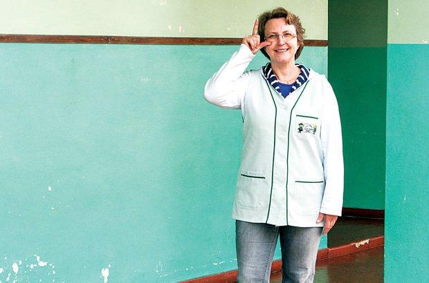 Luciane Deina atua como auxiliar de classe nos anos iniciais em Curitiba. Rodrigo Janasievicz