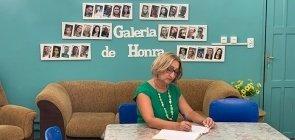 Diretora Lúcia Cristina Santos transformou escola vulnerável em espaço de diálogo