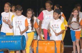 Meninos do projeto Sucantando. Foto: Divulgação