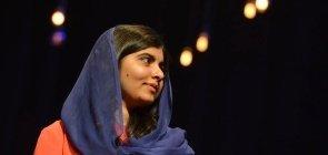 A ativista paquistanesa Malala Yousafzai durante sua palestra no Brasil