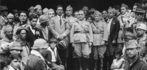 Getúlio Vargas, com outros líderes da Revolução de 1930, em Itararé, São Paulo, logo após a derrubada de Washington Luís