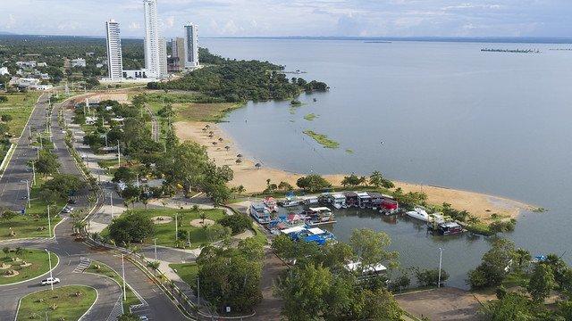 Orla do rio Tocantins, em Palmas
