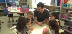 """""""Professora sim, tia não"""": o contexto da pandemia e o papel dos docentes na Educação Infantil"""