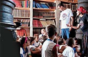 A Borrachalioteca, em Sabará, MG: contação de histórias e acervode 7 mil livros, dos quais 800 são reservados aos leitores-mirins. Foto: Leo Drumond/Ag. Nitro