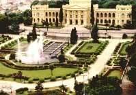 Os jardins do Museu do Ipiranga foram inspirados nos do palácio francês de Versalhes, construído para comemorar a libertação do Brasil de Portugal. Foto: José Rosael/Sérgio Yamada