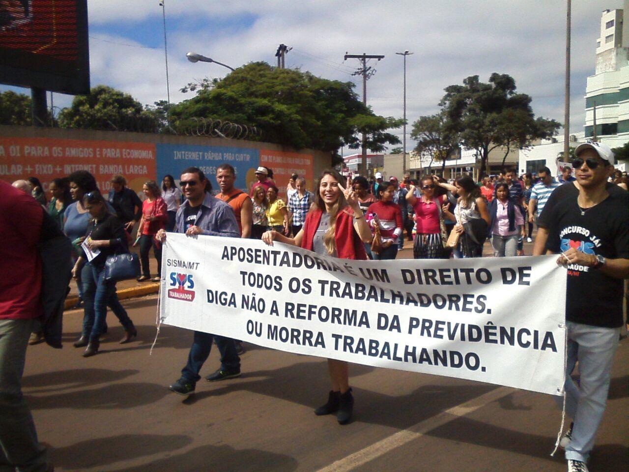 professores se manisfestam em Tangará da Serra (MT)