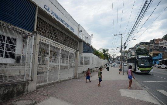 Como é ser diretora de escola em regiões marcadas pela violência