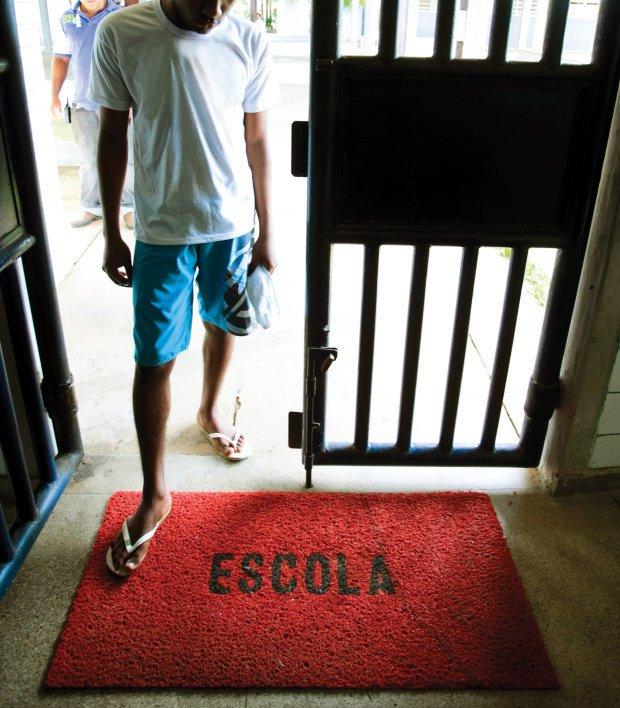 Os desafios para garantir o direito de estudar a adultos e adolescentes em conflito com a lei. Foto: Edson Ruiz