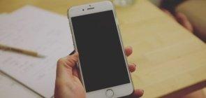 Como os celulares impactam o desenvolvimento?